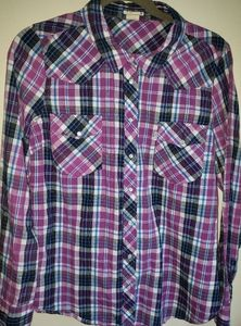Levis plaid button up long sleeve shirt